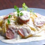 サルシッチャ(ソーセージ)とチーズクリーム