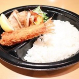 海老フライ&生姜焼き弁当