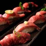 言うまでもなく鮮度抜群で、お口の中でとろける霜降り肉の上質な脂の甘味、しっかりとした旨味と食感の赤身の昆布〆等、その日の厳選部位を一皿に。