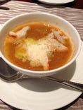 スープ・ド・ポワソン サフランが香るたくさんの魚介の裏漉しスープ