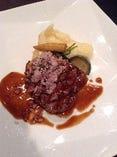 牛フィレ肉の網焼き エシャロットの香り シェリーヴィネガーソース