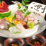 魚やに来たお客様のほとんどがご注文される刺身盛り合わせ。