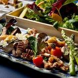 「新鮮彩り野菜」 鉄板焼きの数々とご一緒にお楽しみください