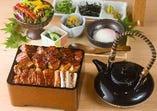 """厳選うなぎ蒲焼きと""""純鶏""""名古屋コーチン特上もも肉のWひつまぶし"""