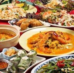 タイとインドのアジアンバル シモン
