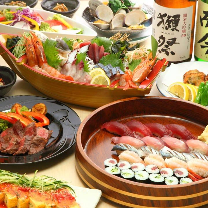 新鮮な刺し盛りや握り寿司が中心のコースが飲み放題付4500円~