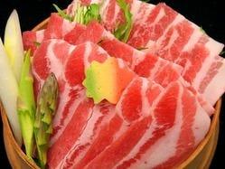 女性に評判のあっさりとした味 真狩産ハーブ豚と野菜の蒸し焼き