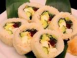 アボカドと海鮮のロール寿司(6貫)