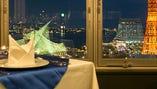 【テーブル席:2〜60名様│夜景満喫】少人数から団体様宴会まで様々なシーンに対応