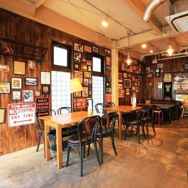 チキンプレイスロティサリーズ 合羽橋店 店内の画像