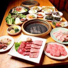 韓国居酒屋 炭火焼 極厚サムギョプサル ととり 有楽町