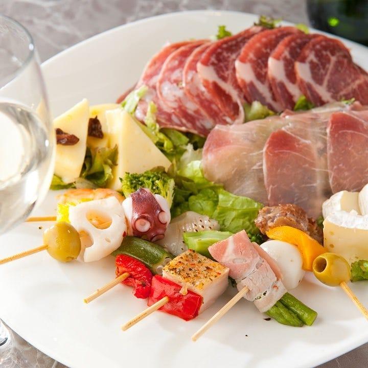 1,500円コース<4品>立食にも最適!華やか&食べやすいフィンガーフード|企業宴会、パーティー