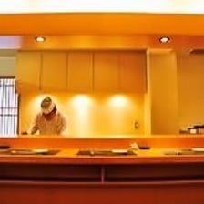 ◆カウンター席と個室を完備