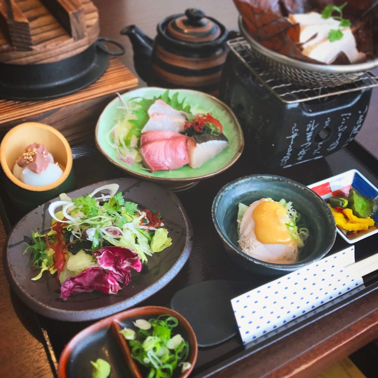 萬月お昼限定釜飯シェアコース2500円