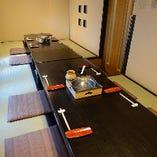 居心地の良い、畳と座布団の和空間が広がる個室です。(6名様~14名様)