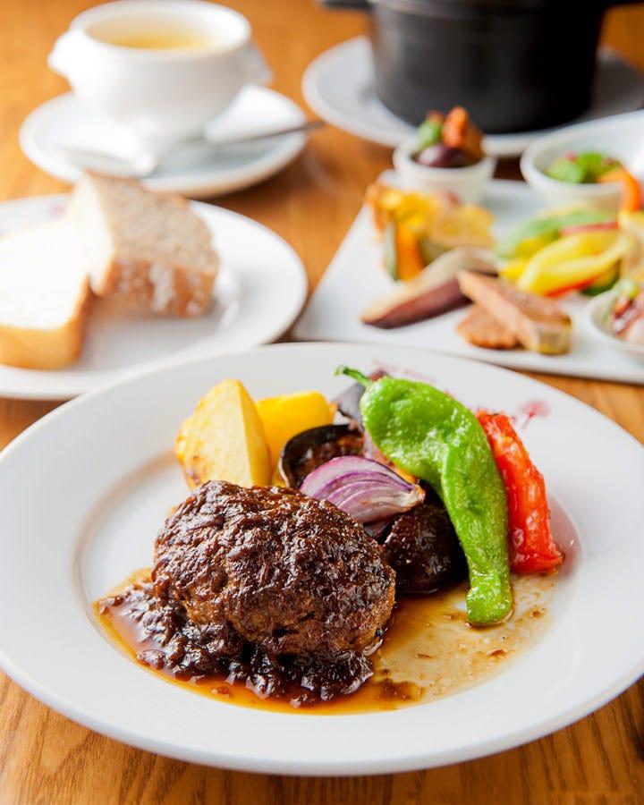 美味しい野菜はもちろん、魚介やお肉も楽しめます!