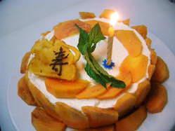 ☆記念日にショートケーキお作り致します。15センチ2500円