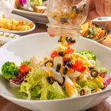 【ジャーcobbサラダ】 栄養満点でヘルシーなメニュー