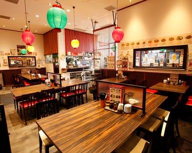 創業60年の名物餃子×食べ放題 ミンミン 飯田橋サクラテラス店 店内の画像
