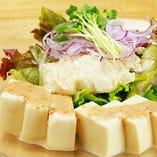 生ゆばと豆腐のサラダ