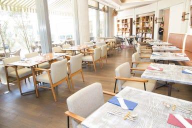 鎌倉リゾートフレンチ Brasserie Gent(ブラッスリー・ゲント)  店内の画像