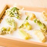 季節の野菜を使った天ぷら