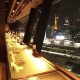 【 夜 景 】 新橋店のみ個室以外にも魅力溢れる空間をご用意