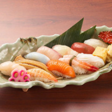市場直送!旬の鮮魚を使った本格寿司