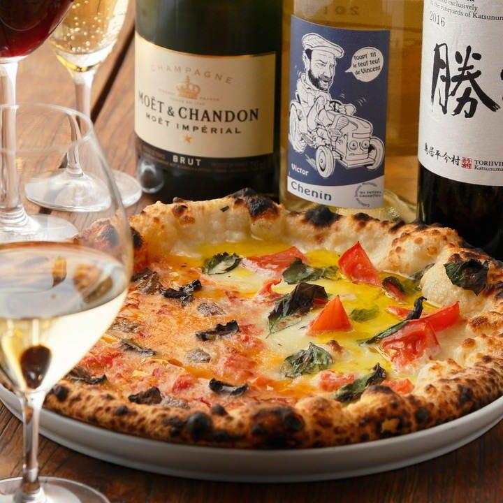 窯焼きのピッツァや旬食材を使用したコースはお一人様4,000円~
