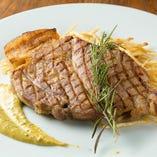 イベリコ豚肩ロース肉ベジョータのグリル