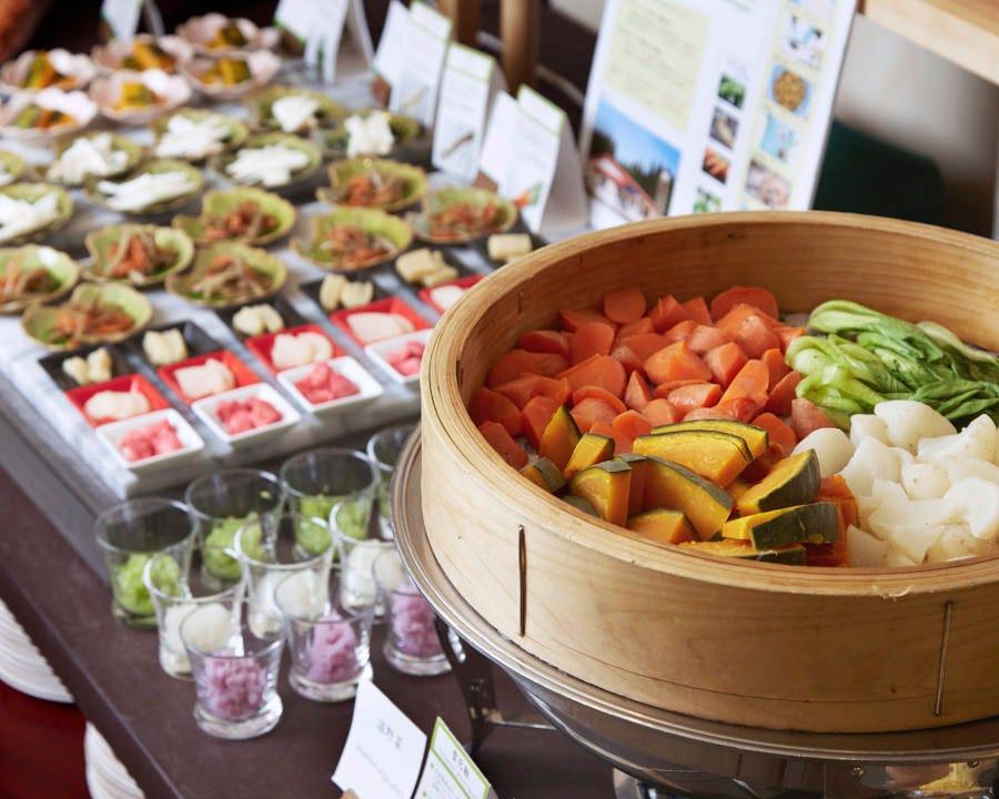 和・洋・中の本格料理が日替わりで約50種類
