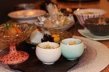 お料理やお酒をひと際際立たせる陶器