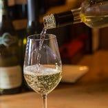 香りや甘みを楽しめるようなワインをご用意しております