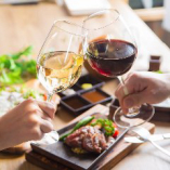 お肉料理によく合う香り高いワイン