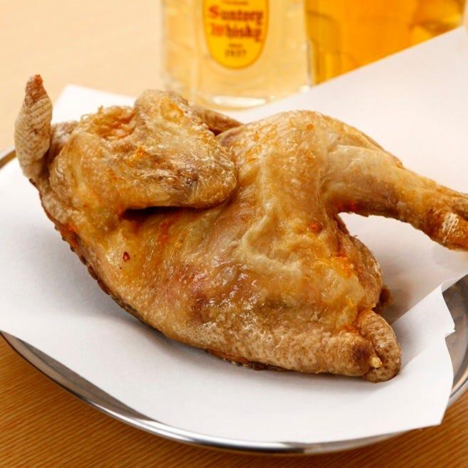 鶏の半身をそのまま! 見た目のインパクト大です!