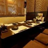 田村屋の名物鶏料理とお酒を優雅に楽しめる!ゆったり寛ぎの半個室