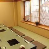 障子に桜島をデザインした完全個室もございます。