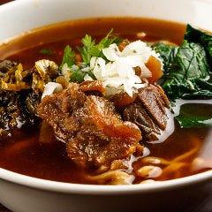 牛肉麺(ニューロウ麺)