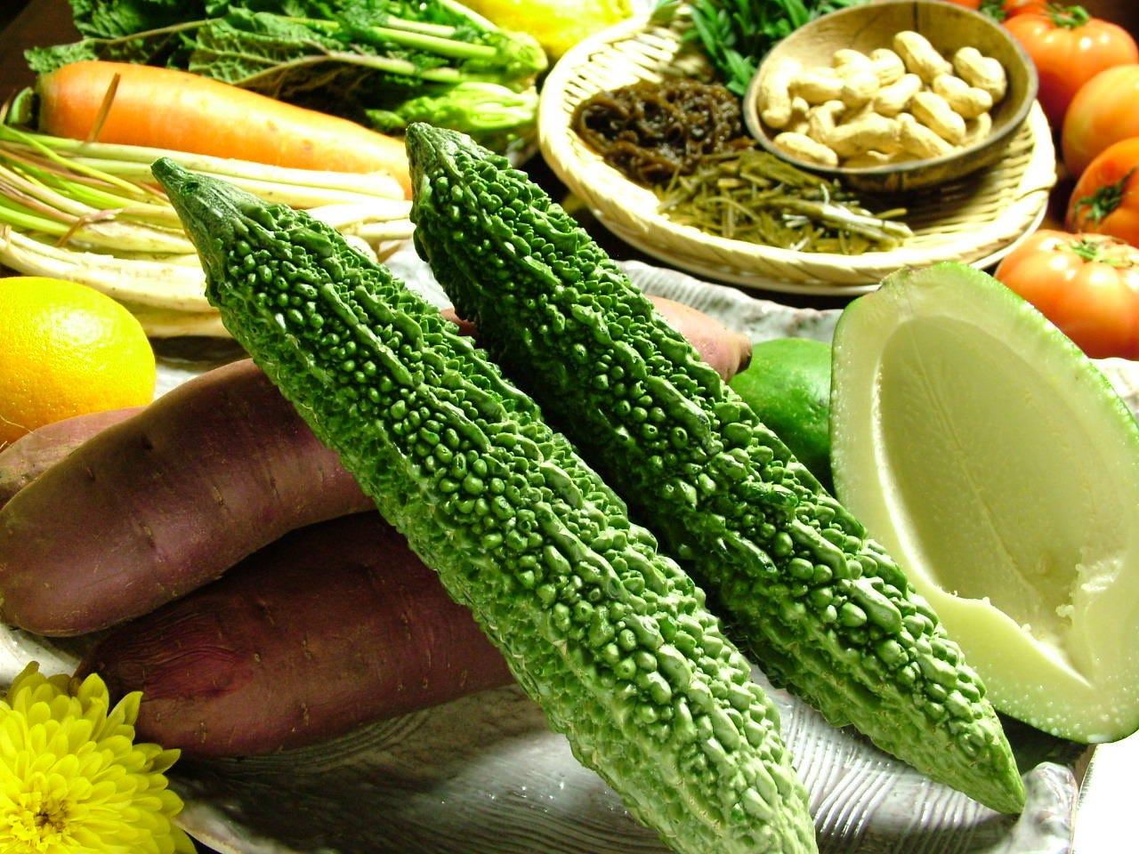 本場の沖縄食材もふんだんに使用しております!