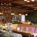 昭和レトロな空間の茶房りばていでおくつろぎのひと時を。