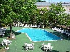ガーデンリゾートプール