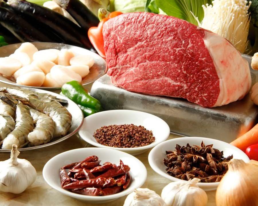 海鮮は毎日仕入れ、野菜は築地! 厳選肉の信頼の料理をお届け!