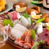 日本海の幸を使った季節メニューが豊富!