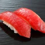 職人が目利きした鮮度抜群のマグロを贅沢に楽しむ寿司【青森県】