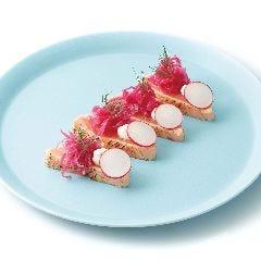 厚切り炙りサーモン~マスカルポーネチーズ添え~