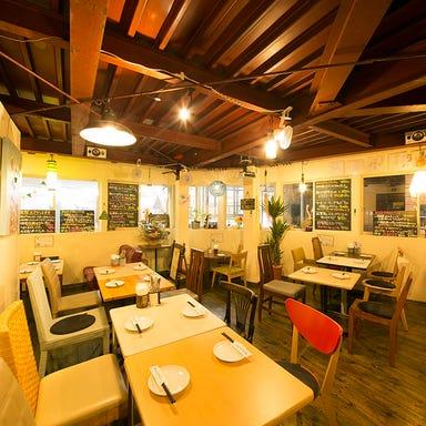 燻製×肉 イタリア酒場 ORA  店内の画像