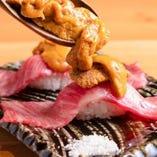 贅沢三昧!国産肉寿司ウニ載せ3貫