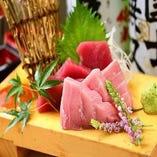 天ぷら以外にも料理長が腕を振るう一品料理が充実。