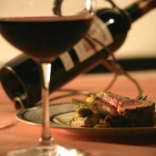 料理に合わせてワインをセレクト