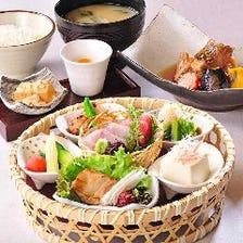 【予約限定】響膳(ひびきぜん)~豪華籠盛り前菜と選べるメインの贅沢ランチ~